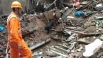 मुंबई हादसा: बिल्डिंग के मलबे से निकाले गए 14 शव, राज्य सरकार ने की मुआवजे की घोषणा