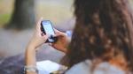 गुजरात: ठाकोर समुदाय ने कुंवारी लड़कियों के मोबाइल रखने पर लगाया बैन, पिता से वसूले जाएंगे 1.5 लाख
