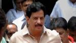 113 एनकाउंटर करने वाले  इंस्पेक्टर प्रदीप शर्मा ने दिया इस्तीफा, सियासत में रख सकते हैं कदम