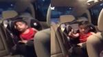 कार की सीट पर लो रहे बच्चे ने किया कुछ ऐसा कि देखकर दीवाने हो गए लोग, वायरल हुआ Video