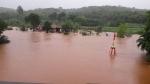 मानसून की वजह से साउथ एशिया में आई खतरनाक बाढ़ और हुआ भूस्खलन