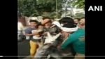 BSP नेताओं का मुंह काला करके गधे पर बैठाया, जूतों की माला पहनाकर निकाला जुलूस, देखें VIDEO