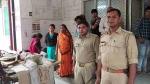 गोरखपुर में नहीं मिली एंबुलेंस, ठेले पर लादकर मरीज को अस्पताल ले गए सिपाही
