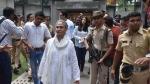 मतदान करने गईं जया बच्चन, इस वजह से पोलिंग अधिकारियों पर भड़क उठीं