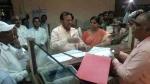 यूपी: कोषागार में गंदगी देखकर गुस्साए मंत्री, 'एक बूंद स्याही से ज़िंदगी खराब कर दू़ंगा'