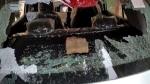 इलाहाबाद विश्वविद्यालयः छात्र संघ की बहाली को लेकर छात्र नेताओं का उग्र प्रदर्शन, कई प्रोफेसरों की कार के शीशे तोड़ें