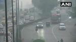 पराली का जलना हुआ कम तो साफ हुई दिल्ली-NCR की हवा, खुले स्कूल, आज भी राहत के आसार