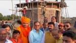 सौहार्द की मिसाल: यहां खुद की बेशकीमती जमीन पर हिन्दुओं के लिए मंदिर बनवा रहा मुस्लिम शख्स