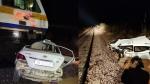 चूरू में रेल हादसा : दिल्ली-बीकानेर ट्रेन के इंजन में फंसी कार, सवारियों में मचा हड़कंच