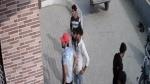दोस्त का नाम लेकर पार्षद के बेटे का किया अपहरण फिर जमकर बीच सड़क पर पीटा