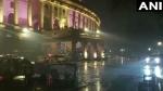 दिल्ली-एनसीआर में बदला मौसम, भारी बारिश के साथ पड़े ओले, बारिश की बूंदों ने बढ़ाई ठंड