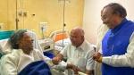बीमार सिद्धारमैया से मिलने पहुंचे सीएम येदियुरप्पा, तस्वीर हुई वायरल