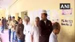 कर्नाटक उपचुनाव: 15 सीटों पर चल रहा है मतदान, भाजपा के लिए 6 सीटों पर जीत जरूरी