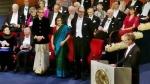 Nobel Prize 2019: पुरस्कार लेने पत्नी संग भारतीय परिधान में पहुंचे अभिजीत बनर्जी, देखिए वीडियो