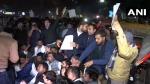 दिल्ली पुलिस से हिंसक झड़प में घायल हुए कई छात्र, अस्पताल में कराया गया भर्ती: सूत्र
