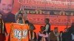 PM मोदी के मंत्री ने लगवाए देश के गद्दारों को गोली मारो के नारे, प्रशांत भूषण ने कहा- कैबिनेट नहीं जेल में होना चाहिए