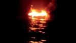 बीच समंदर में आग से यूं धधक उठी बोट, 6 मछुआरे बचाए गए, एक पानी में ही समाया, VIDEO