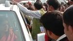 सुल्तानपुर में लोगों ने मेनका गांधी को घेरा, वापस जाने और मुर्दाबाद के लगाए नारे