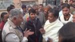 मुजफ्फरनगर: सैकड़ों किसानों के खाते से उड़ गए 1180 रुपए, बैंक अधिकारी नहीं दे पा रहे जवाब