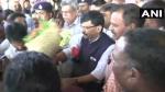 संजय राउत का दावा- कर्नाटक पुलिस मुझे एयरपोर्ट से अज्ञात स्थान पर लेकर गई