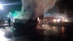 आगरा-लखनऊ एक्सप्रेस वे  पर ट्रक से टकराई वैन में लगी आग, कई लोगों के जलने की खबर