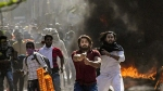 दिल्ली हिंसा के दौरान पुलिस पर कई राउंड गोली चलाने वाला शाहरुख अभी भी फरार