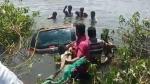 तेलंगाना: तालाब में गिरी कार, बाप-बेटा सहित तीन लोगों की डूबकर मौत