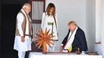 Trump In India: ट्रंप-मिलानिया ने साबरमती आश्रम में चलाया चरखा, विजिटर बुक में लिखा ये मैसेज