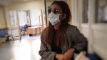 राधिका आप्टे मास्क लगाए पहुंचीं अस्पताल, कोरोना को लेकर सवाल पर दिया ये जवाब