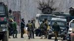 जम्मू-कश्मीर: पुलवामा में CRPF के काफिले पर आतंकी हमला, IED ब्लास्ट में एक जवान घायल