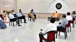 15 अप्रैल से खुलेगा लॉकडाउन, चरणबद्ध तरीके से योजना बनाएं अधिकारी: सीएम योगी