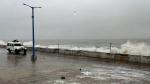 'चक्रवात' का खतरा, अरब सागर में सक्रिय 2 तूफान, गुजरात में जारी हुई एडवाइजरी, मुंबई को खतरा नहीं