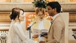 कोरोना मरीजों का इलाज करने वाले नर्स और डॉक्टर ने अस्पताल में ही की शादी, वीडियो कॉल से जुड़े रिश्तेदार
