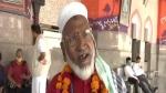 कुली मुजीबुल्लाह: चारबाग स्टेशन पर प्रवासियों को दे रहे फ्री सेवा, 80 की उम्र में उठा सकते हैं 50 किलो सामान