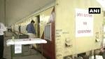 बढ़ते कोरोना मामलों के देखते हुए रेलवे ने दिल्ली तैनात किए 160 बेड के आइसोलेशन कोच