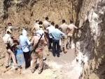 कुएं की खुदाई के वक्त मिट्टी धंसने से महोबा में 4 मजदूर दबे, 2 सगे भाइयों की मौत