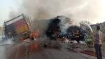 अजमेर-हरियाणा मेगा हाइवे पर लाड़नू में हादसा, दो ट्रकों की भिड़ंत के बाद 4 लोग जिंदा जले, VIDEO