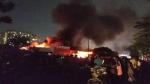 ग्रेटर नोएडा के मार्केट में लगी भीषण आग, फायर ब्रिगेड की कई गाड़ियां मौके पर मौजूद