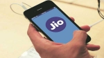 Jio Offer: जन्माष्टमी पर जियो का धमाका, मात्र 141 रुपए में खरीदें JioPhone 2 , जानिए फोन के फीचर्स