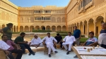 राजस्थान : जैसलमेर के सूर्यगढ़ होटल में बनेगी विधानसभा सत्र की रणनीति, रात को होगी बैठक