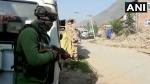 कश्मीर के अवंतीपुरा में सुरक्षबलाों की आतंकियों से मुठभेड़
