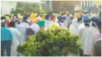 अमृतसर: टास्क फोर्स और सत्कार कमेटी के सदस्यों में हिंसक झड़प, गुरु ग्रंथ साहिब के गायब हुए 328 कॉपी पर विवाद