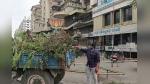 सूरत: सोसाइटी में गंदगी से परेशान कांग्रेसियों ने कूड़ा-कचरा ट्रैक्टर से BJP विधायक के दफ्तर के आगे फेंका