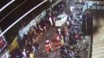 जबलपुर : कार के बोनट पर उप निरीक्षक को बोनट पर बैठाकर घसीटा, देखें वायरल वीडियो