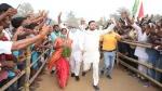 बिहार: भाषण देने के बाद मंच से कूदकर भागने लगे तेजस्वी यादव, कोई समझ नहीं पाया क्यों किया ऐसा