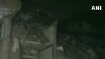 कानपुर: कुली बाजार में बड़ा हादसा, तीन मंजिला इमारत गिरी, कई लोगों के दबे होने की आशंका