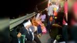 गुजरात: 35 यात्रियों से भरी बस गड्ढे में गिरकर पलटी, महिला-बच्चों समेत 15 गंभीर रूप से घायल