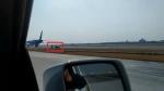 VIDEO: अचानक कार लेकर एयरपोर्ट के रनवे पर पहुंचा शख्स, प्लेन के पास जाने वाला था तभी....