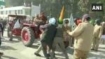 Farmers Protest: किसानों का राजभवन मार्च आज, लच्छीवाला टोल बैरियर पर भिड़े किसान और पुलिस