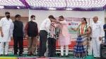 गुजरात: 25 सालों से भी अधिक पुराने 200 से ज्यादा भाजपाइयों ने कांग्रेस का हाथ थामा